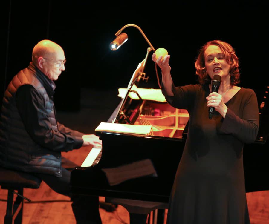 Dominique Lusinchi canta Barbara
